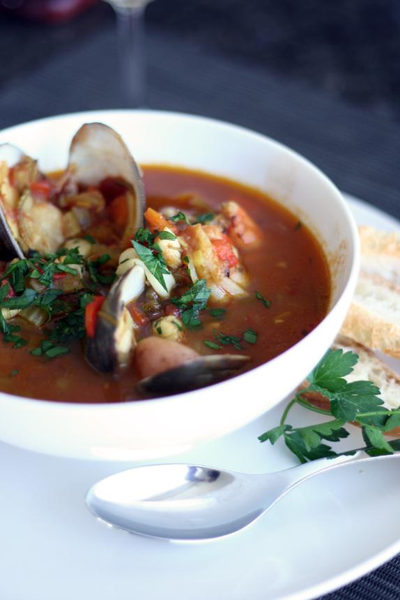 seafood stew | via vmac+cheese