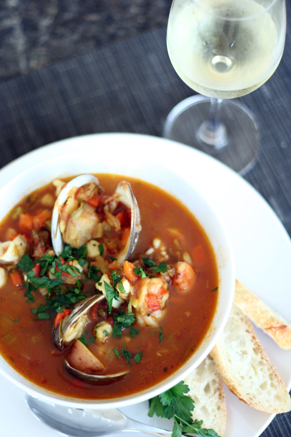 recipe for seafood stew | via vmac+cheese