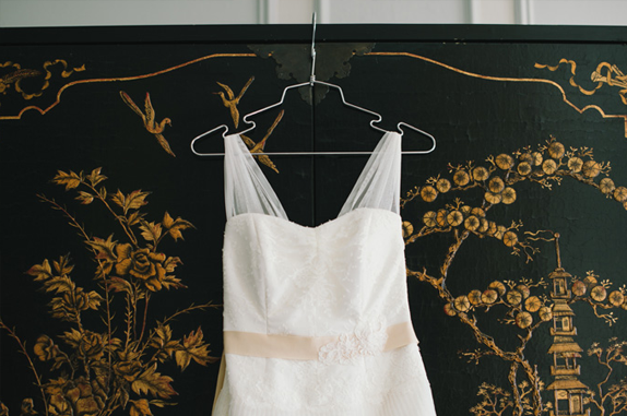 wedding dress by amy kuschel | photography by delbarr moradi | via vmac+cheese