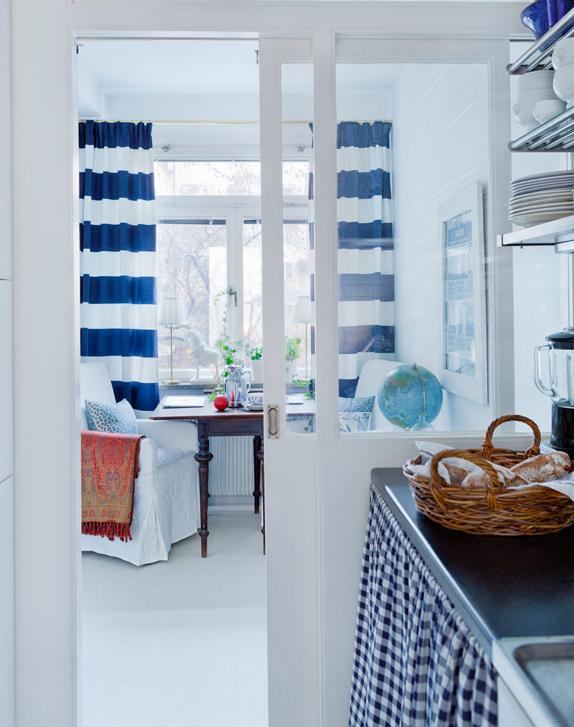 blue eat in kitchen