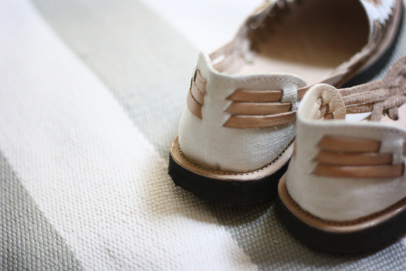 ix sandals in tan and white