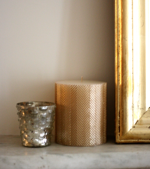 gold herringbone candle