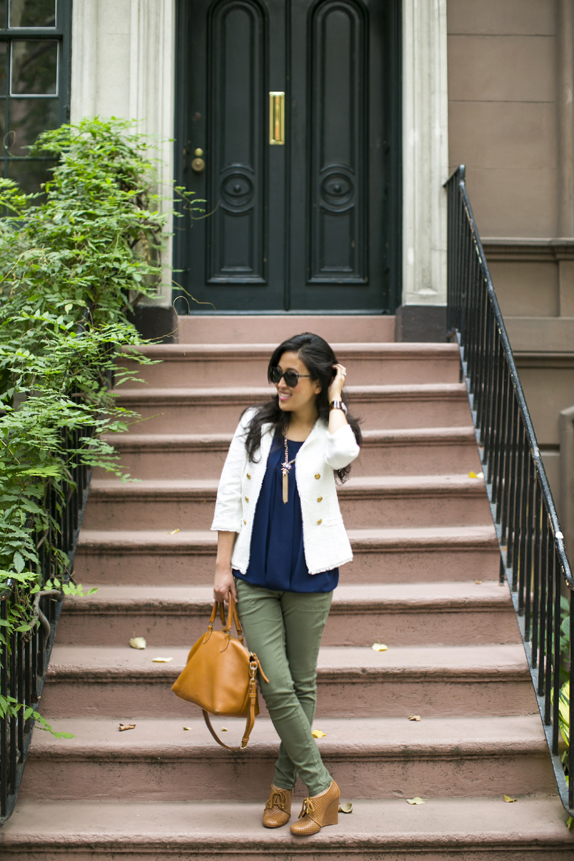 white blazer, skinny cargo pants, wedge booties - easy casual fall outfit