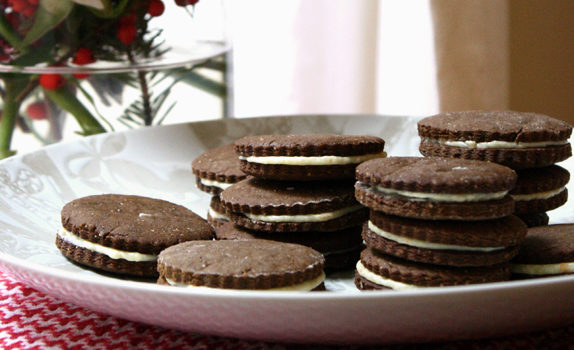 cookie-swap-gingerbread-sandwich-cookies0