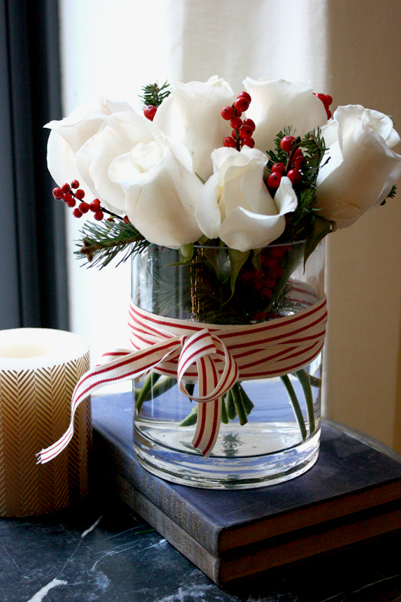 easy holiday floral arrangement