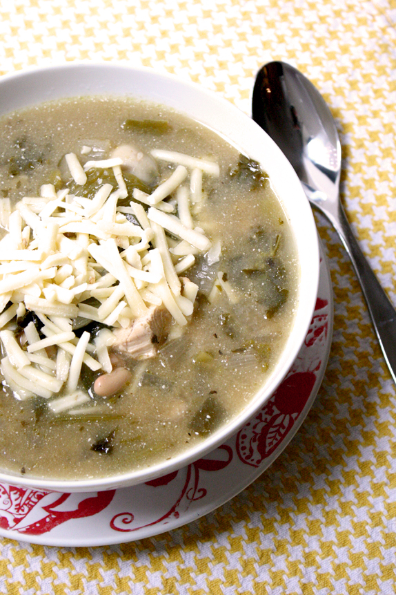 green chili recipe - slow cooker chili inspired by enchiladas suizas