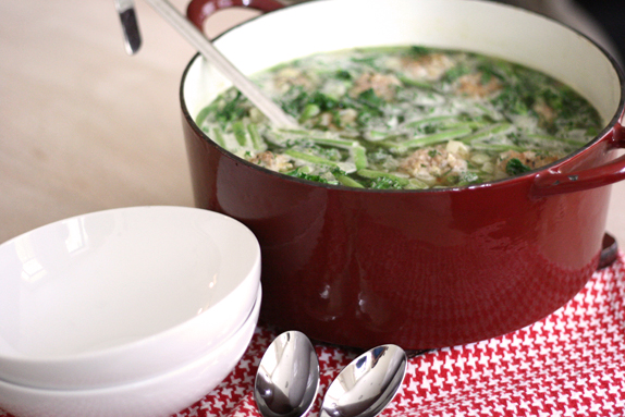 Easy turkey meatball soup with green vegetables and pesto