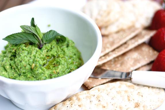 easy spring recipe - pea pesto with pistachio and mint