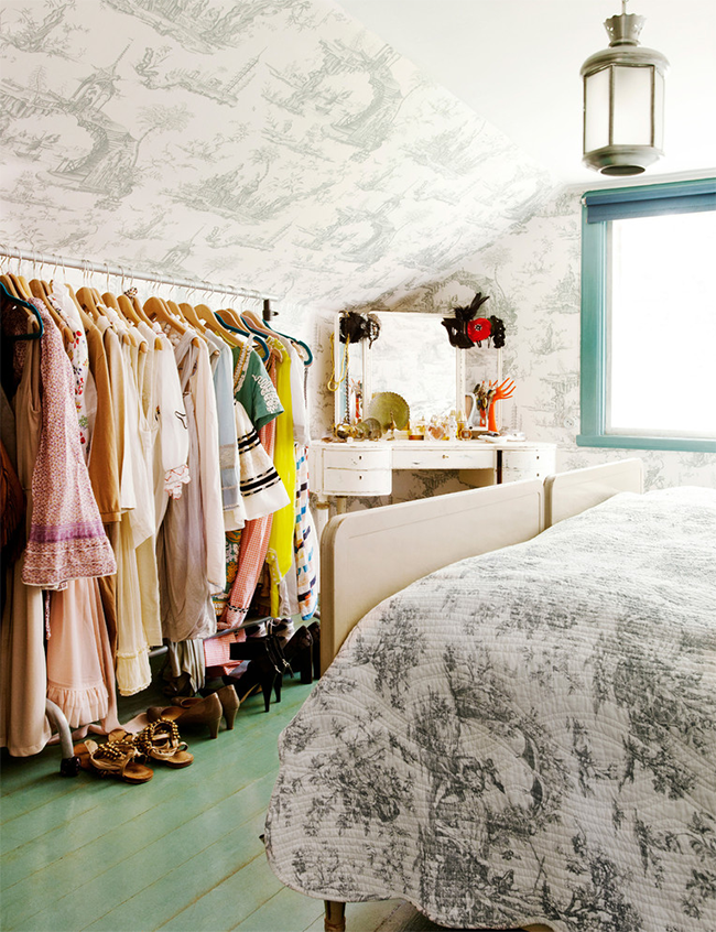 how to clean out your closet and sell or consign your clothes