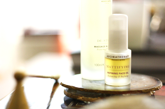 review - aromatherapy associates refining face oil