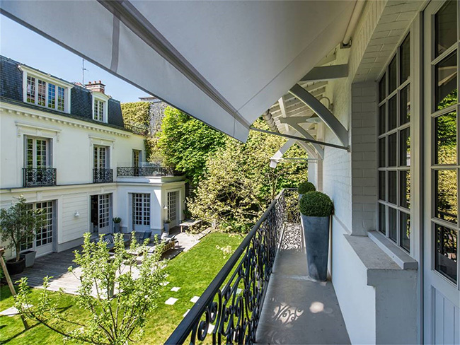 Home in Auteuil, Paris - Balcony