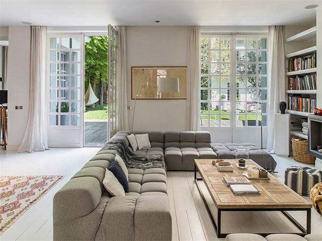Home in Auteuil, Paris - Living Room