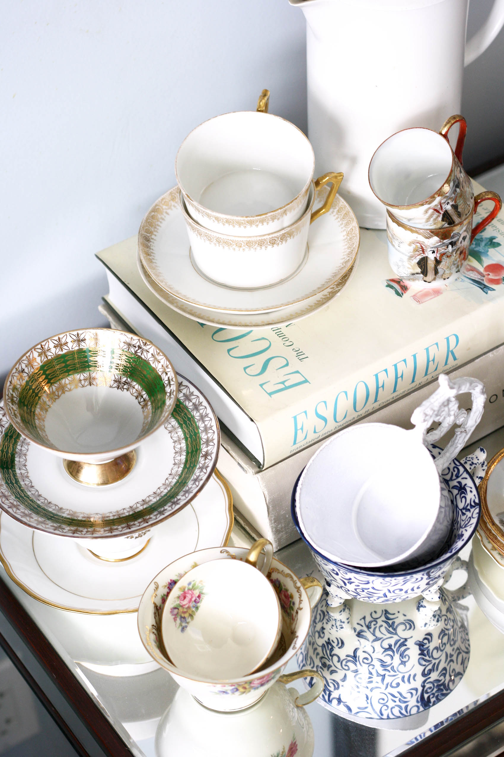 collection of vintage and antique coffee & tea cups | From @victoriamstudio