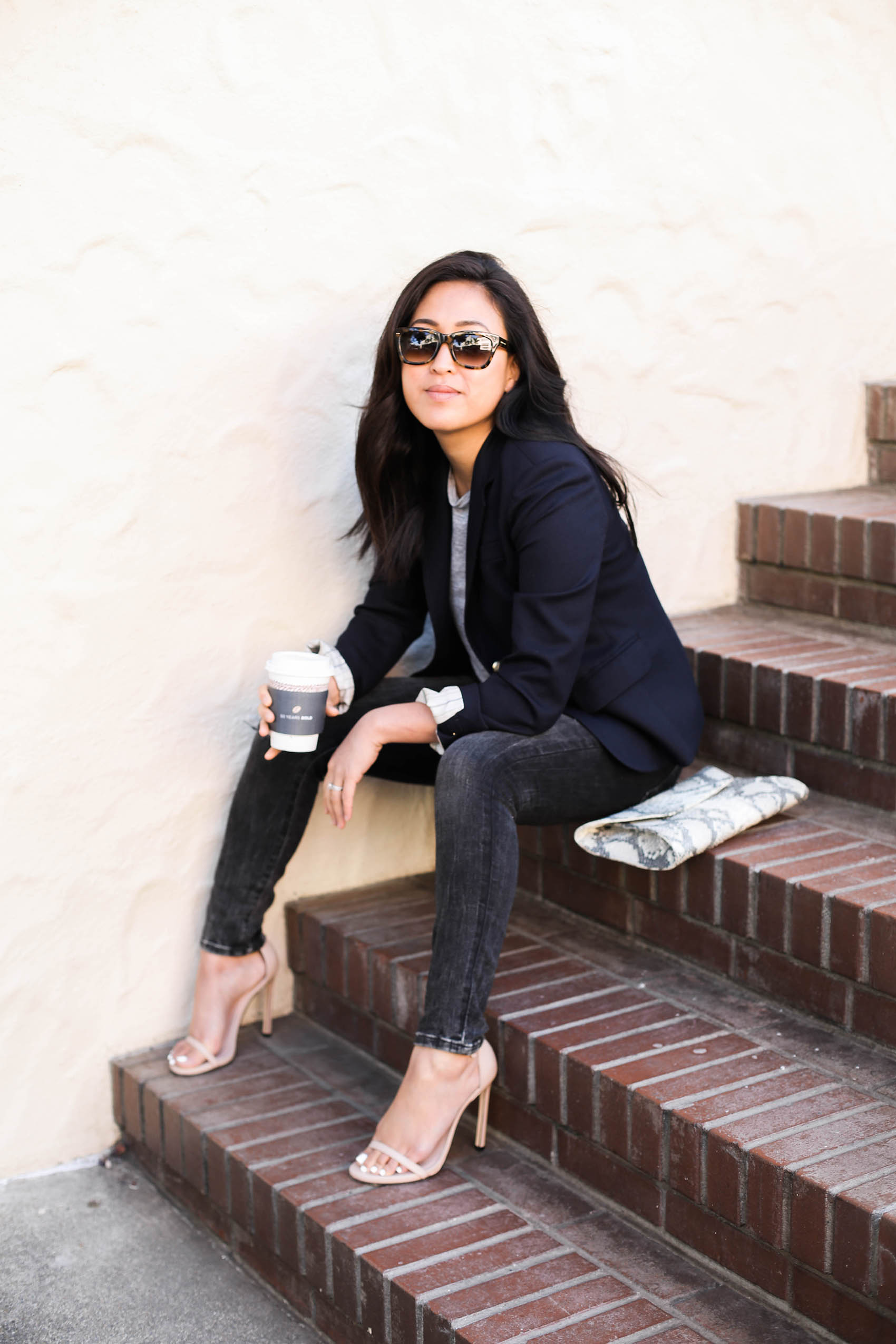 j crew schoolboy blazer for easy day to night style | via @victoriamstudio