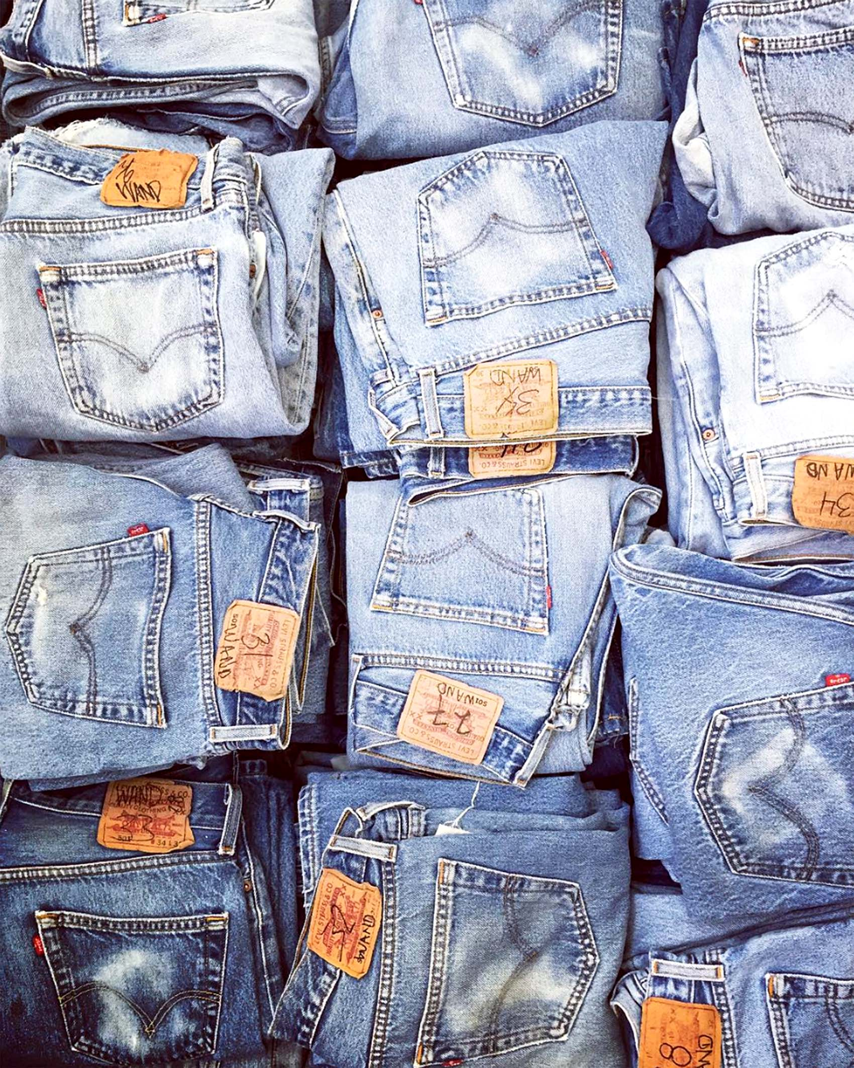 shop re done denim (image via @honestlylauren @honestlywtf)