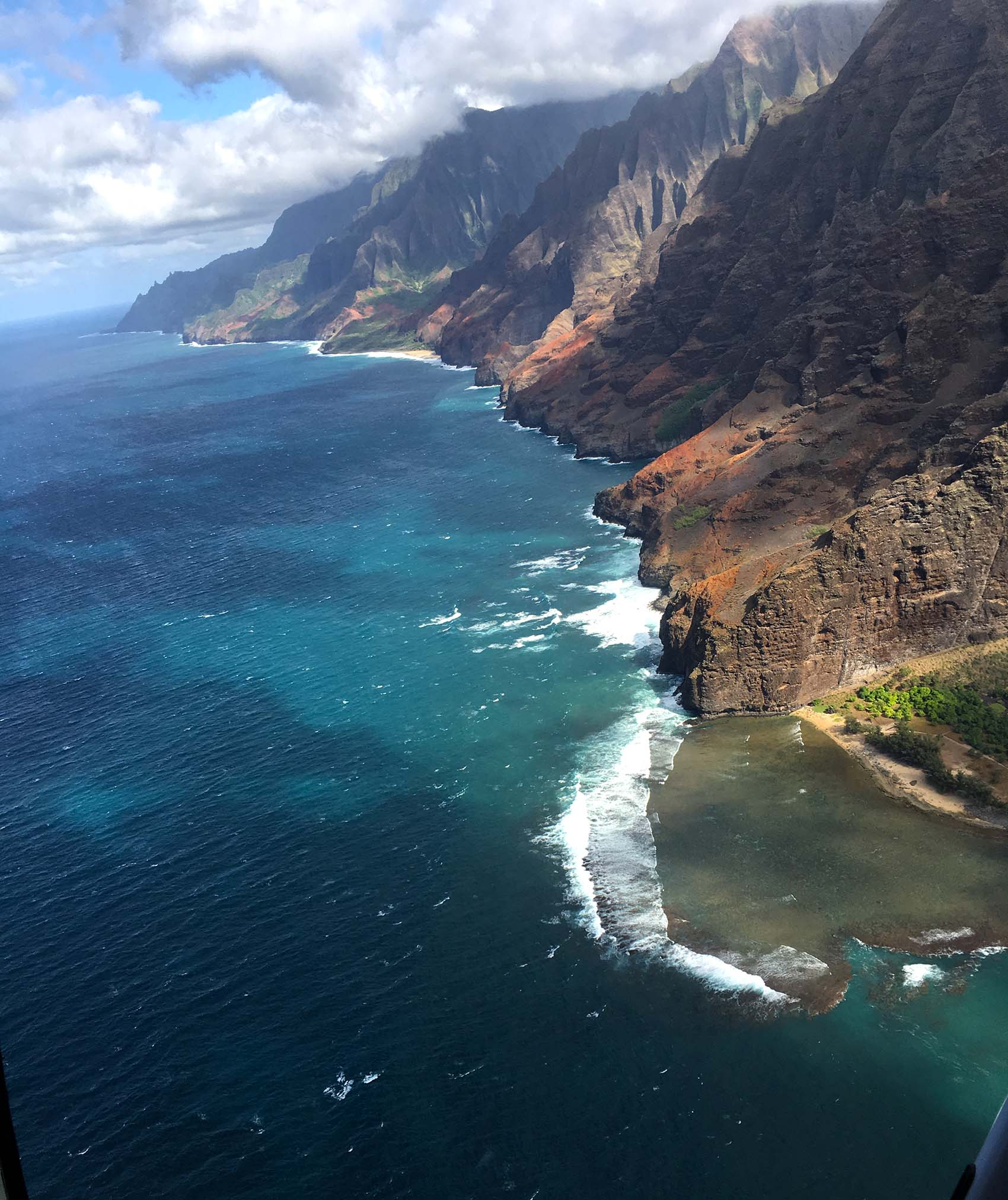aerial-view-of-the-na-pali-coast
